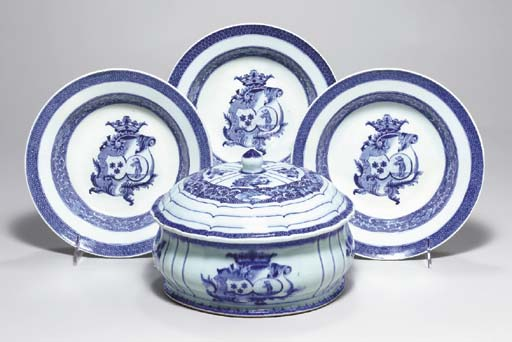 A GROUP OF CHINESE EXPORT BLUE