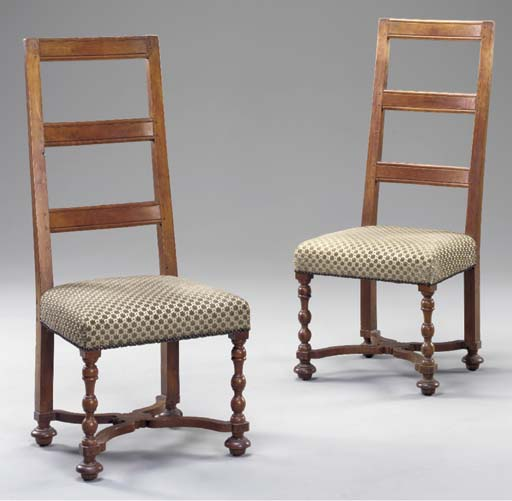 A PAIR OF CONTINENTAL BAROQUE