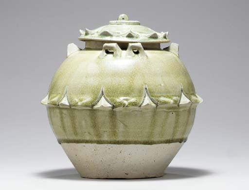 A GREEN-GLAZED STONEWARE JAR A