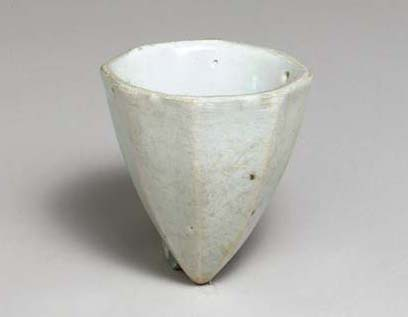 A White Porcelain Hanging Oil