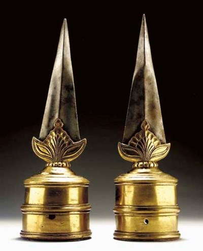 A Pair of Blades for Fighting