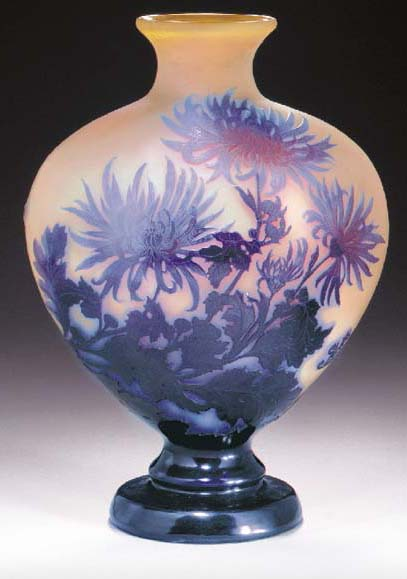 A DOUBLE OVERLAID AND ETCHED GLASS VASE