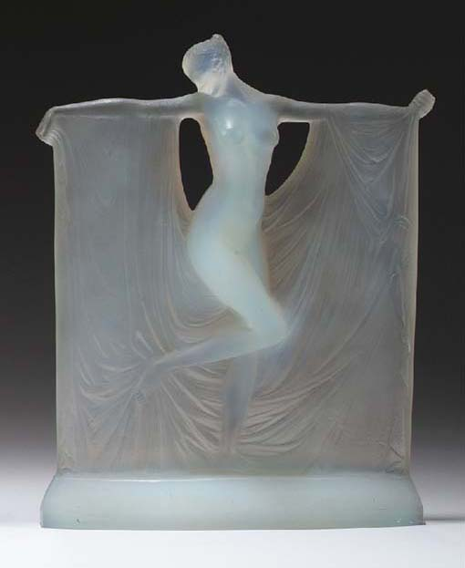 'SUZANNE', AN OPALESCENT GLASS