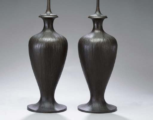 A PAIR OF BRONZE TABLE LAMP BA