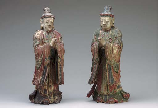 A PAIR OF PAINTED AND GILDED G