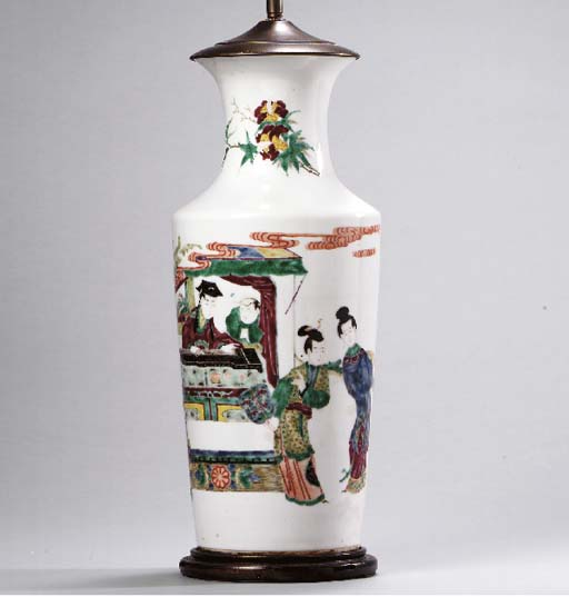 A CHINESE EXPORT FAMILLE ROSE PORCELAIN VASE MOUNTED AS A LAMP,