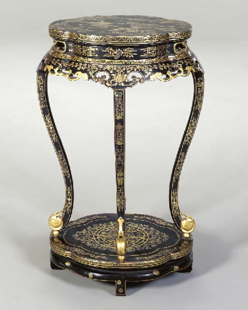 A CHINESE EXPORT BLACK-PAINTED AND PARCEL-GILT SIDE TABLE,