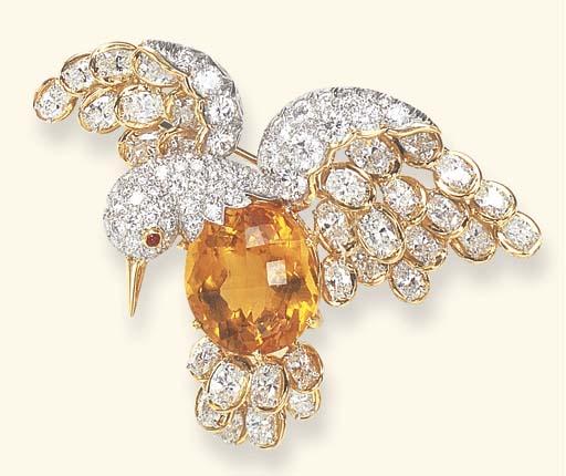 A CITRINE AND DIAMOND BROOCH,