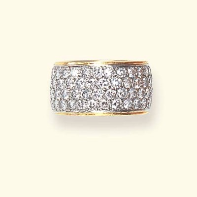 A DIAMOND AND GOLD RING BAND,