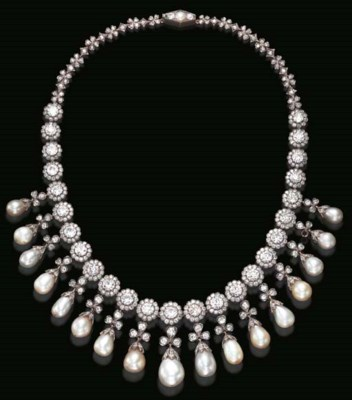 AN EXQUISITE ANTIQUE PEARL AND