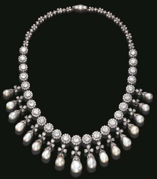 AN EXQUISITE ANTIQUE PEARL AND DIAMOND NECKLACE