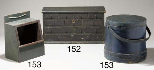 A BLUE-PAINTED LIDDED SHAKER B