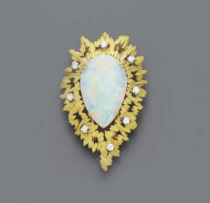 AN OPAL, DIAMOND AND GOLD BROO