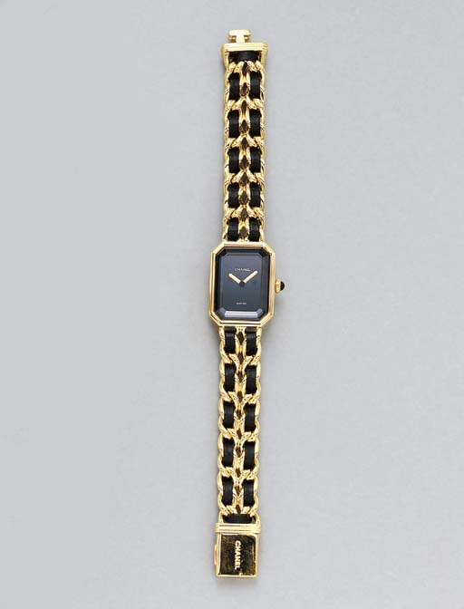 A LADY'S WRISTWATCH, BY CHANEL