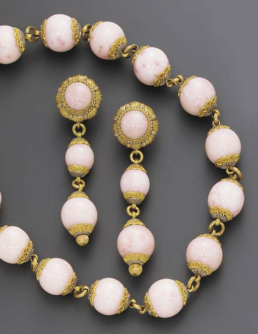 A SUITE OF CORAL JEWELRY