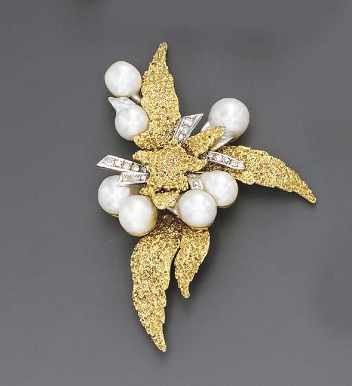 A GOLD, BAROQUE CULTURED PEARL
