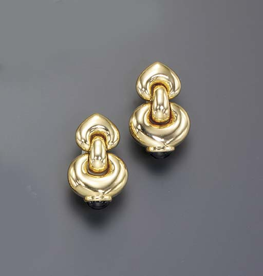 A PAIR OF GOLD AND IOLITE