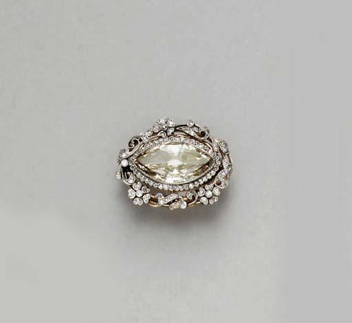 A BELLE EPOQUE DIAMOND BROOCH,