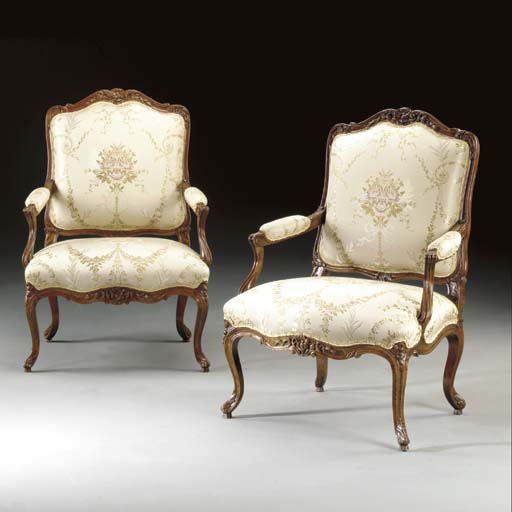 A PAIR OF LOUIS XV STAINED BEE