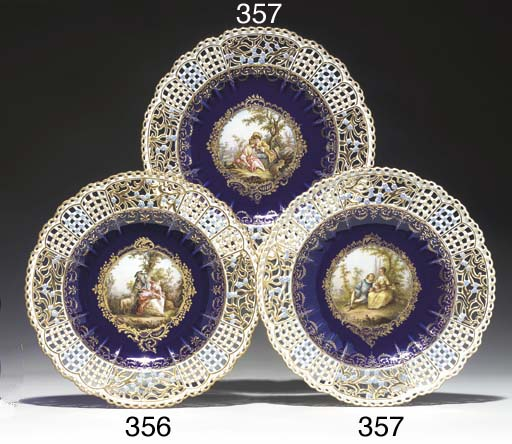 A MEISSEN COBALT-BLUE GROUND R