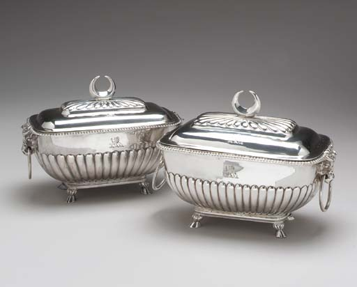 A PAIR OF ENGLISH SILVER SAUCE