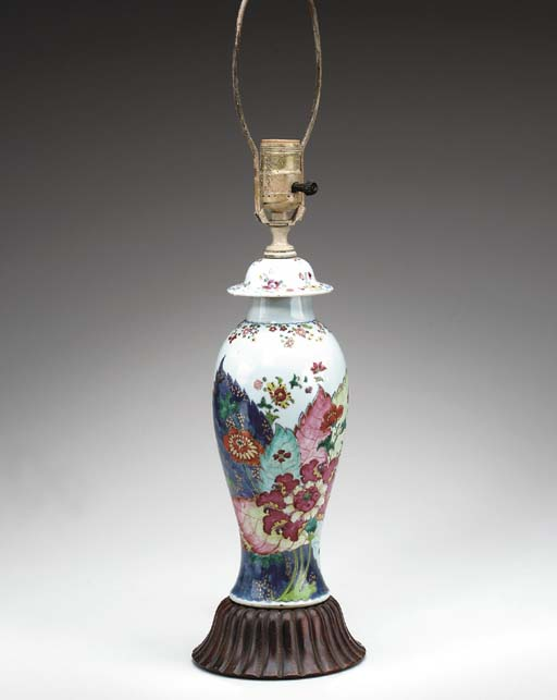 A TOBACCO LEAF VASE AND COVER,