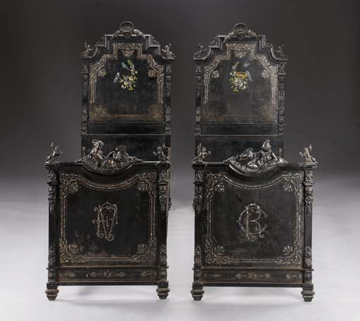 A PAIR OF NAPOLEON III MOTHER-