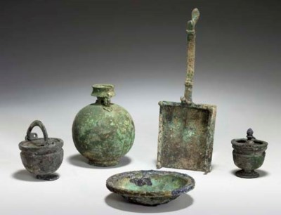 FIVE ROMAN BRONZE VESSELS AND