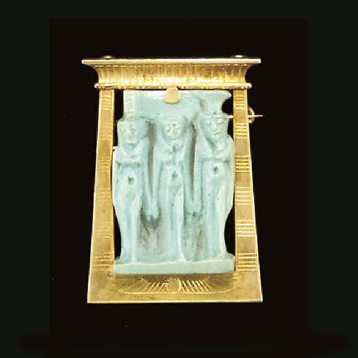 AN EGYPTIAN TURQUOISE FAIENCE