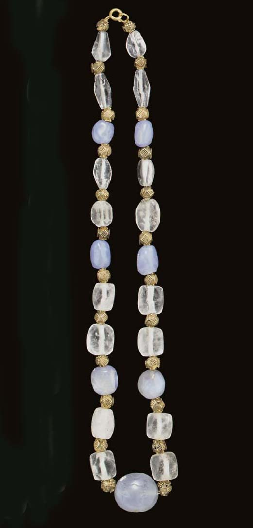 A NECKLACE OF ROCK CRYSTAL AND