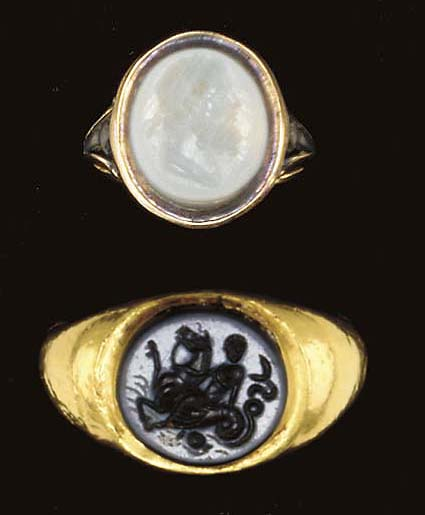 TWO ROMAN AGATE RING STONES