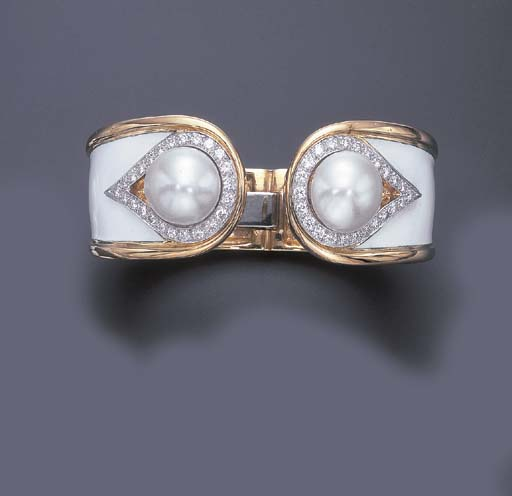 A CULTURED PEARL, ENAMEL AND D