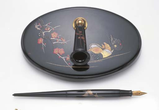 A RARE ART DECO LACQUER FOUNTA