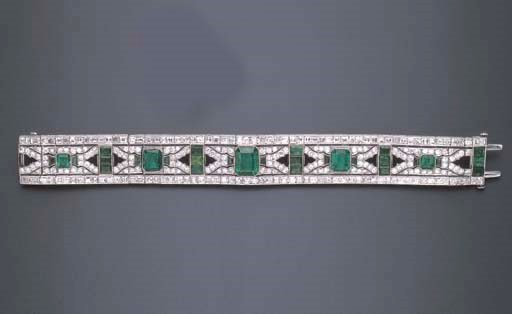 AN ART DECO DIAMOND, EMERALD A