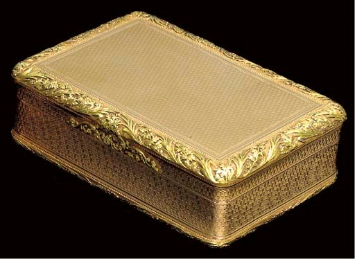 A REGENCY TWO-COLOR GOLD PRESE