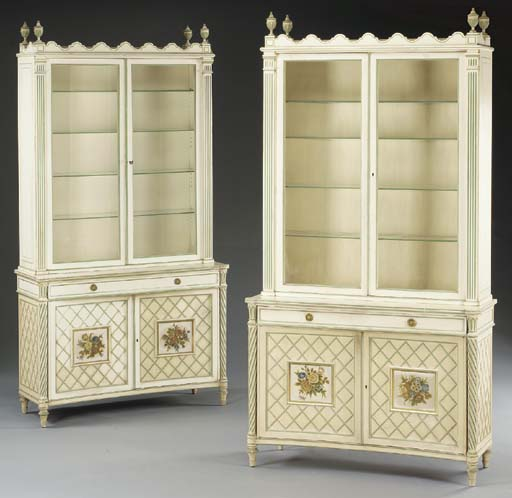 A PAIR OF NEOCLASSIC STYLE CRE
