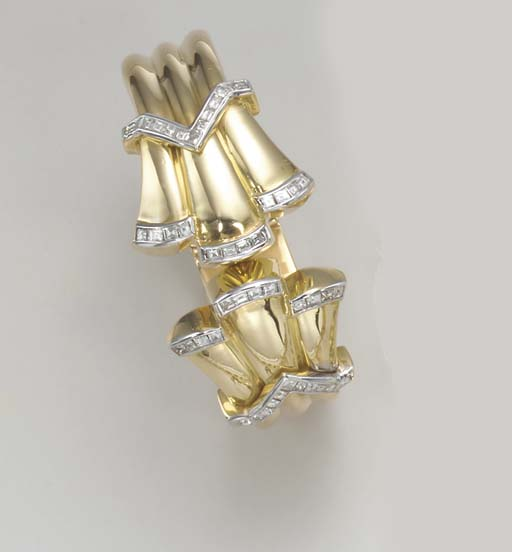 A GOLD AND DIAMOND BANGLE BRAC