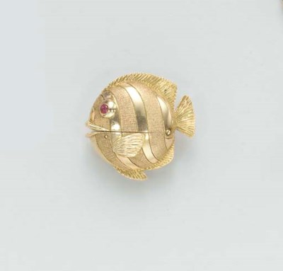 A GOLD AND RUBY FISH WATCH