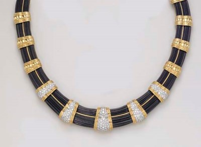 AN ONYX, DIAMOND AND GOLD NECK