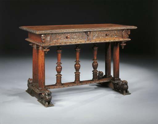 TABLE DU XIXème SIECLE