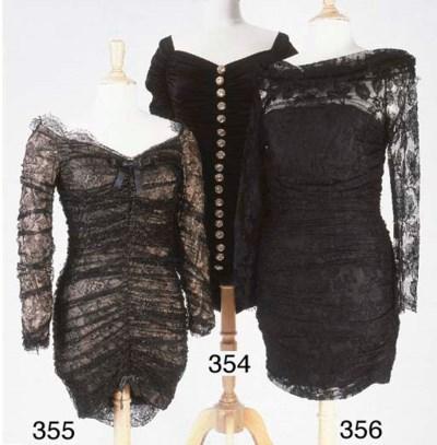 Petite robe, courte en dentell
