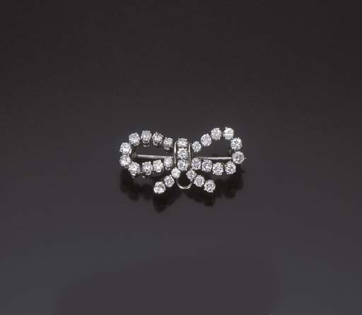 BROCHE NOEUD DIAMANTS