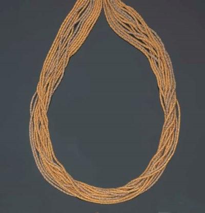 Collana in oro bicolore