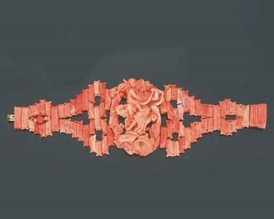 Antico bracciale in corallo