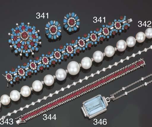 Gruppo di gioielli in perle au