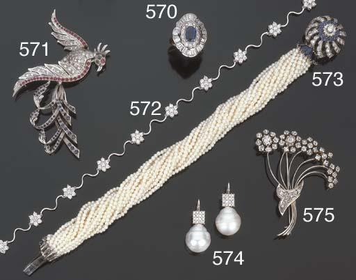 Paio di orecchini con perla sc