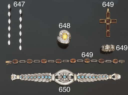 Anello con diamante giallo e d