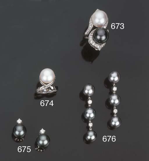 Anello con perla coltivata a b
