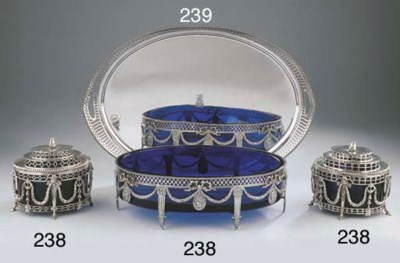 A Dutch silver jardiniere and