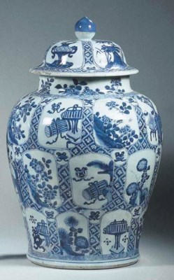 A blue and white large baluste
